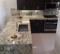 Flat Modern Syle Cstom Kitchen